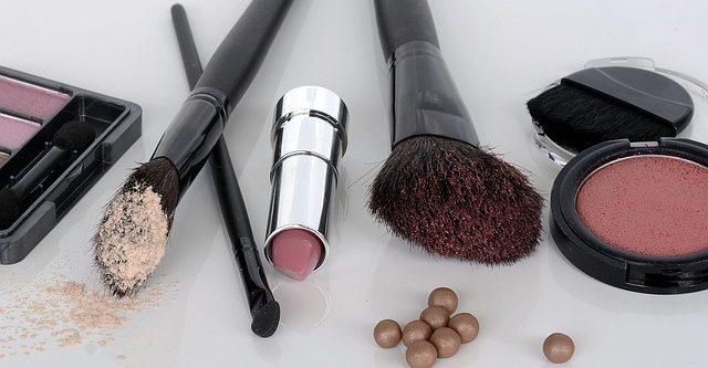 cropped-cosmetics-1367779_640.jpg